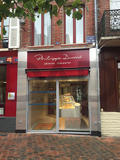 architecture_restauration_boulangeries/PATISSERIE_DURAND/renovation-facade-patisserie-chocolaterie_1513960335.jpg